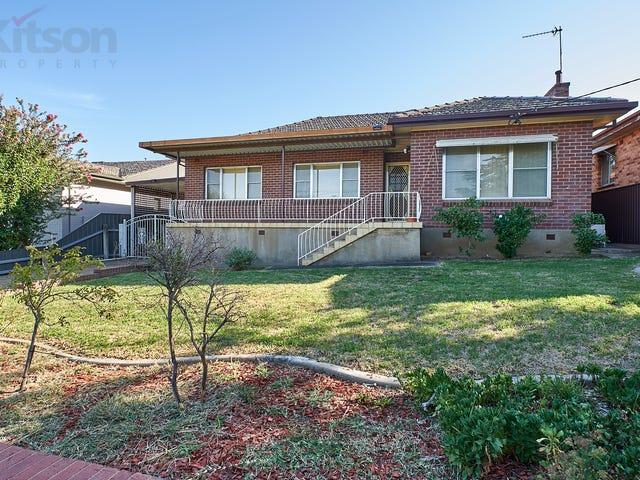 119 Simkin Crescent, Kooringal, NSW 2650