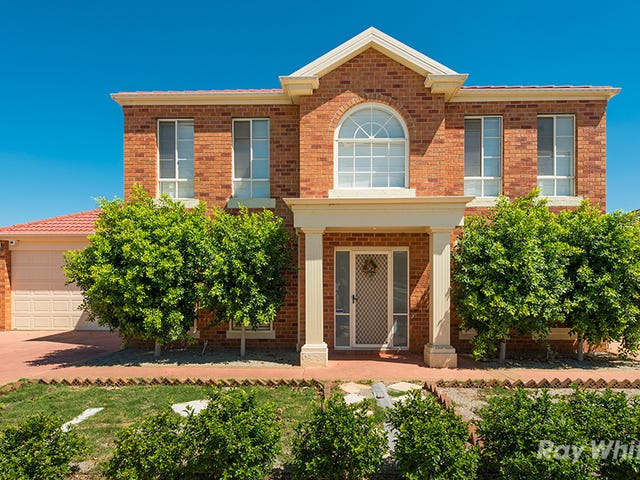 2 Elgar Lane, Caroline Springs, Vic 3023