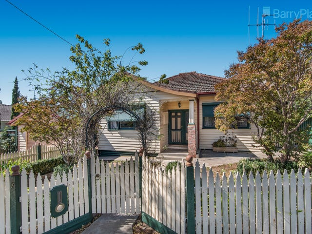 7 Curtin Street, Kennington, Vic 3550