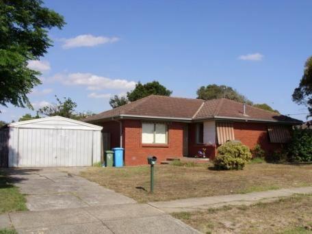4 Monahans Road, Cranbourne, Vic 3977