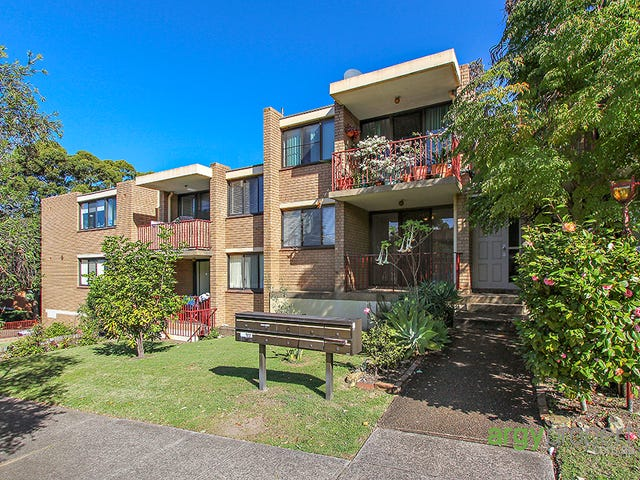 3/11 Hampton Court Road, Carlton, NSW 2218