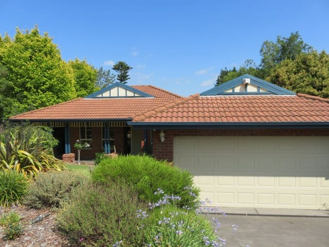 111 Major Crescent, Lysterfield, Vic 3156