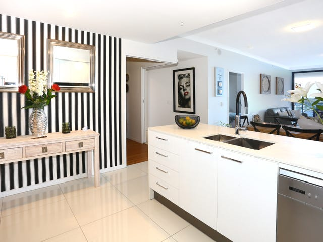 """1804/5 """"Waterpoint"""" Harbour Side Court, Biggera Waters, Qld 4216"""