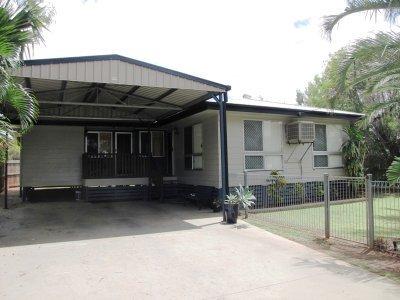 135 Mills Ave, Moranbah, Qld 4744