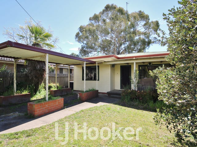 215 Rocket Street, Bathurst, NSW 2795