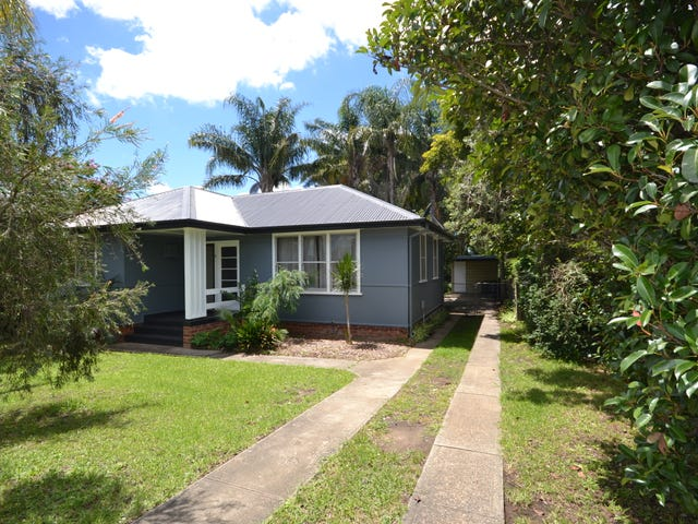 2 Young Avenue, Nowra, NSW 2541