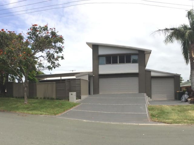 105 Broadwater Terrace, Redland Bay, Qld 4165