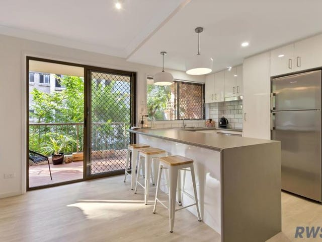 4/60 Bauer St, Southport, Qld 4215