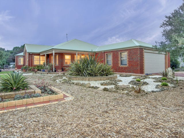 15 Daniella Court, St Andrews Beach, Vic 3941