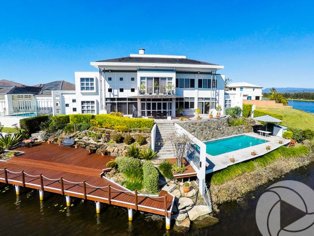 17 Staysail Crescent, Clear Island Waters, Qld 4226