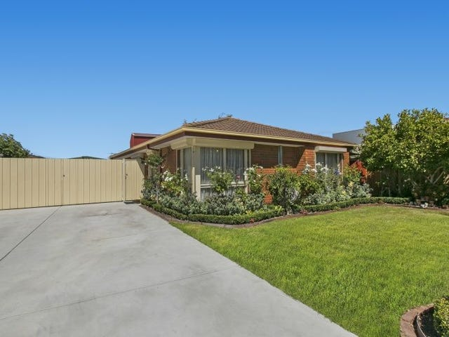 8 CANDYTUFT CLOSE, Cranbourne North, Vic 3977