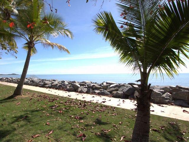 217 O'Shea Esplanade, Machans Beach, Qld 4878
