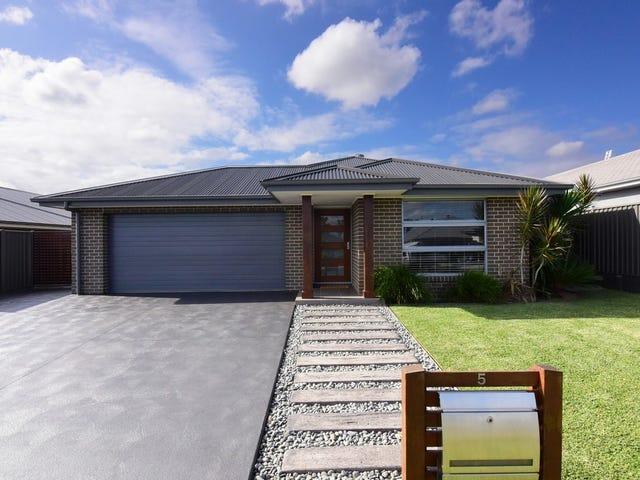 5 Petrel Close, South Nowra, NSW 2541