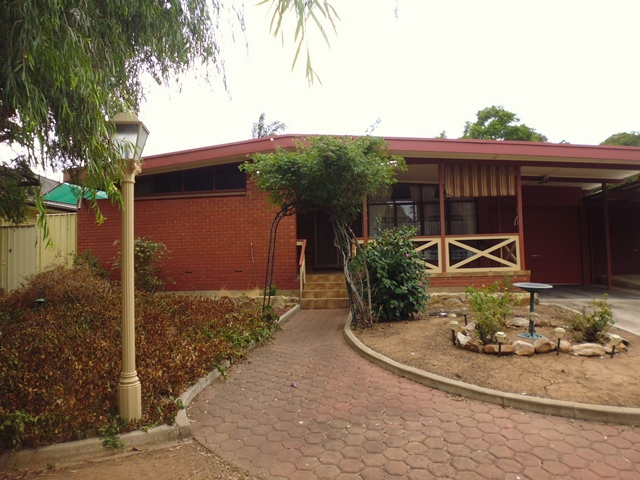 11 Kylie Crescent, Hillbank, SA 5112