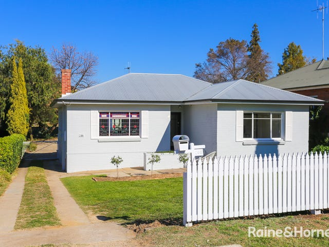 288 Piper Street, Bathurst, NSW 2795
