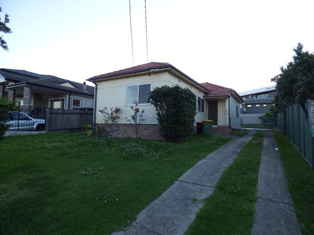 304 NOBLE AVENUE, Greenacre, NSW 2190