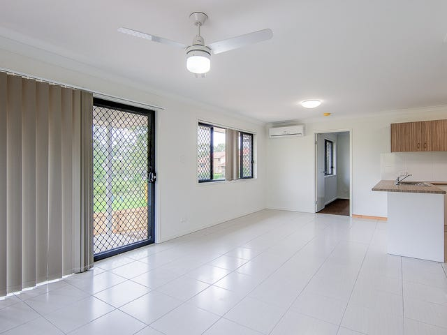 1/12 Lane Court, Mount Warren Park, Qld 4207