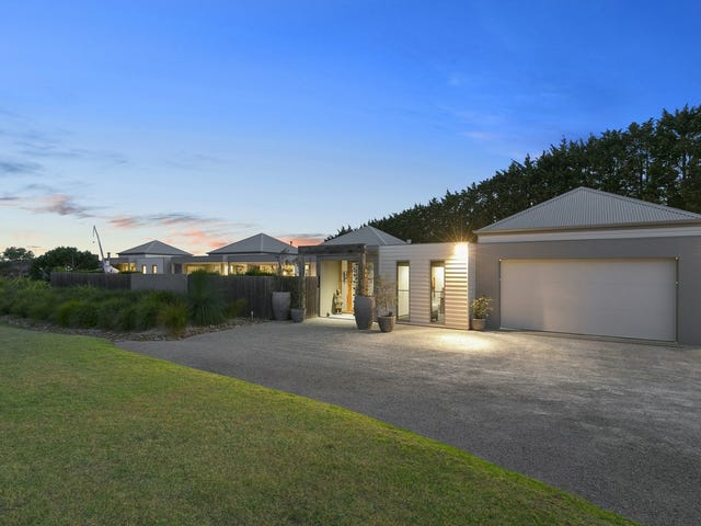 221 Coombes Road, Torquay, Vic 3228