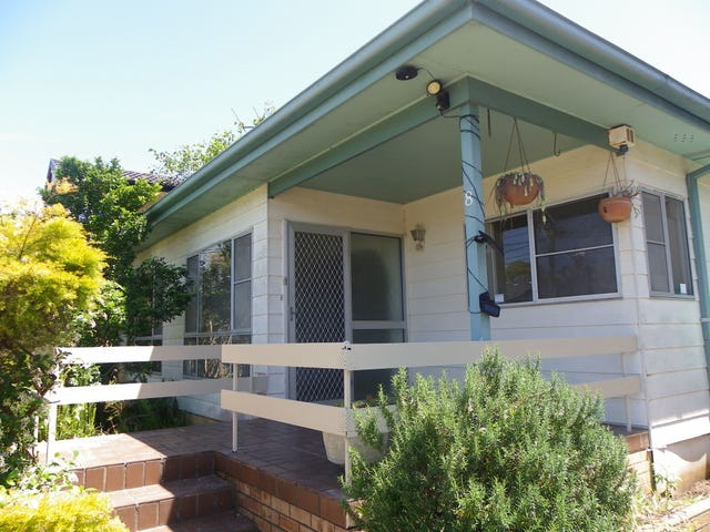 8 Donald St, Picnic Point, NSW 2213