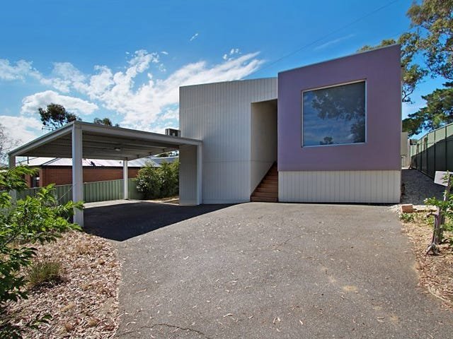 3 Luke Place, Flora Hill, Vic 3550