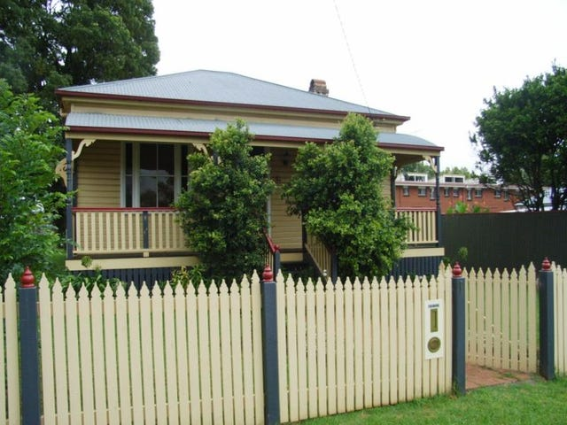 1 Victor  St, East Toowoomba, Qld 4350