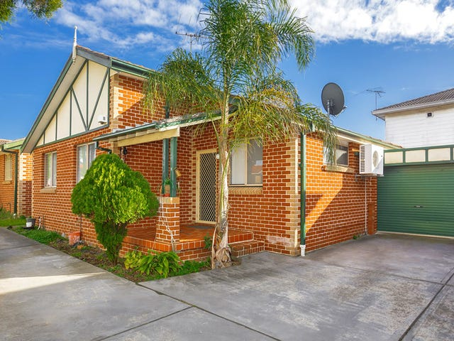 2/330 Roberts Road, Greenacre, NSW 2190