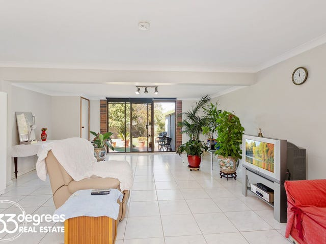 Pitt Town, address available on request