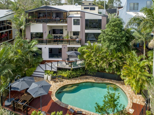 1084 South Pine Road, Everton Hills, Qld 4053