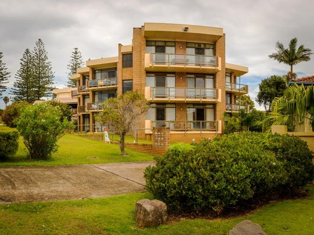 4/76 PACIFIC DRIVE, Port Macquarie, NSW 2444