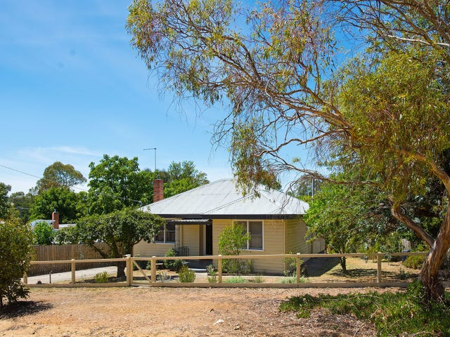 3 Goldsmith Crescent, Castlemaine, Vic 3450