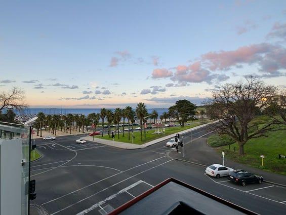 702 Promenade Tower, Geelong, Vic 3220
