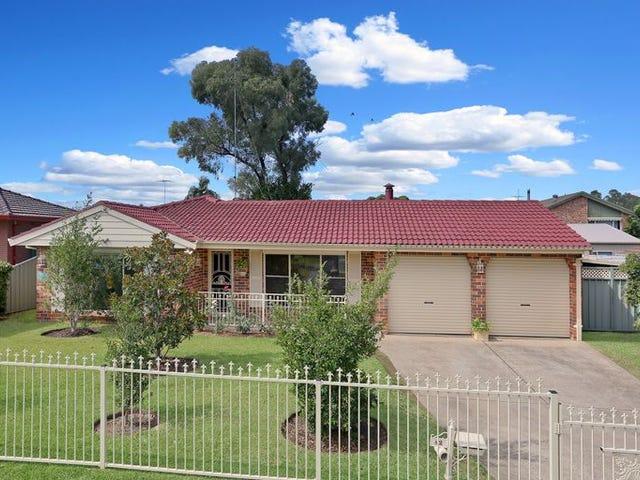 82 Shadlow Crescent, St Clair, NSW 2759
