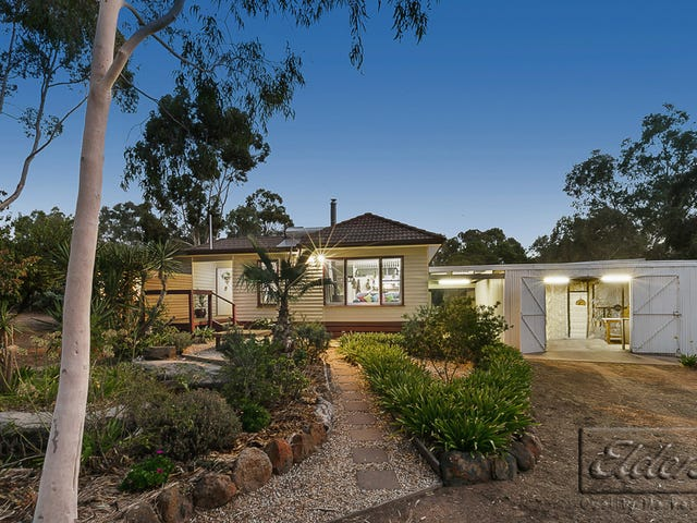 16 Broadway, Lockwood South, Vic 3551