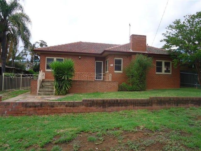 24 Copland St, Kooringal, NSW 2650