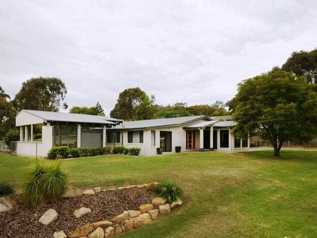 2 Figtree Court, Glenvale, Qld 4350