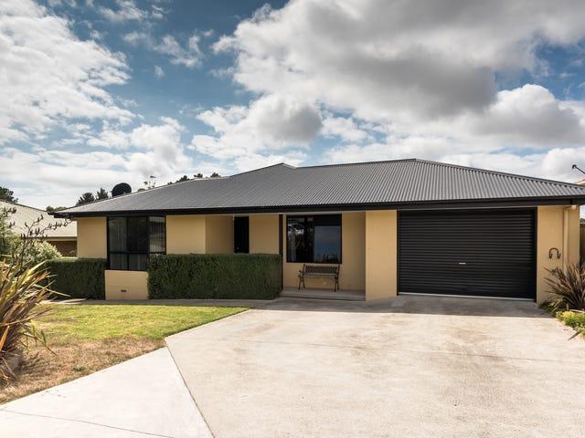 43  Hillcrest Road, Devonport, Tas 7310