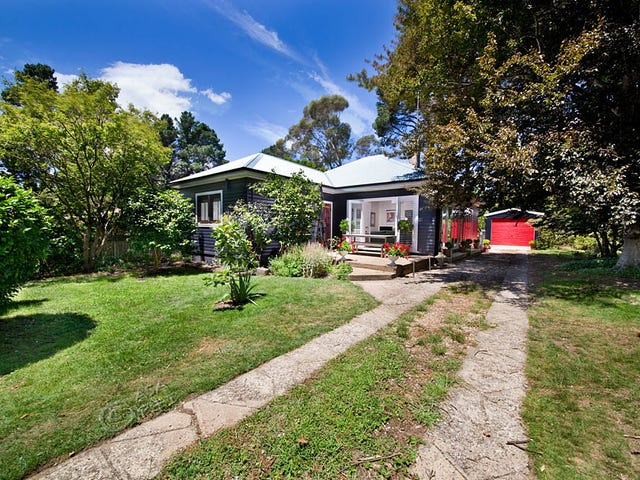 117 Govetts Leap Road, Blackheath, NSW 2785