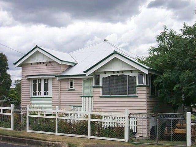 12 HILL STREET, North Ipswich, Qld 4305