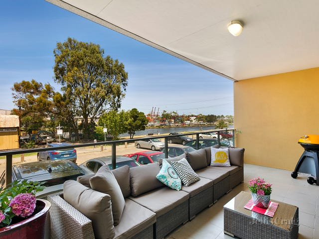 13/2 Saltriver Place, Footscray, Vic 3011