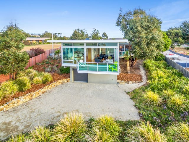 2 Meadows Place, Opossum Bay, Tas 7023