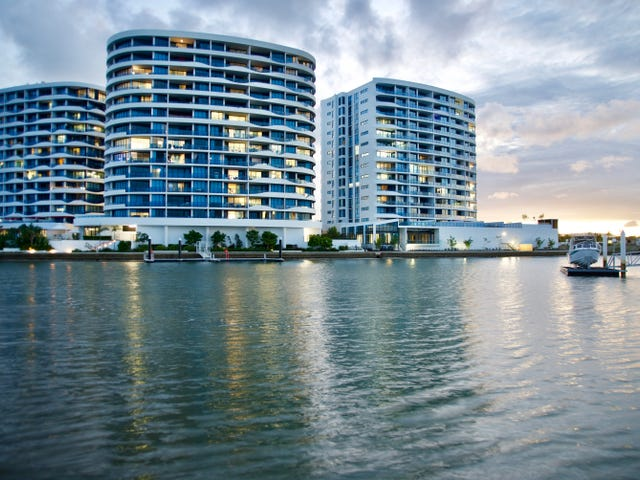 5 Harbour Side Court, Biggera Waters, Qld 4216