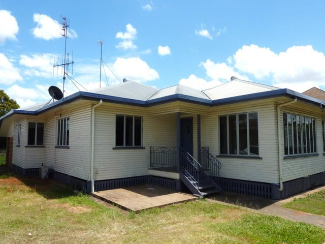 128 Ferry Street, Maryborough, Qld 4650