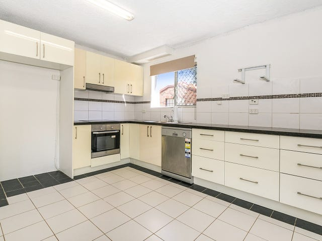1&2/12 Royal Palm Court, Southport, Qld 4215