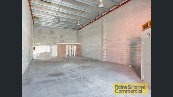 4/50 Neon Street Sumner QLD 4074 - Image 1
