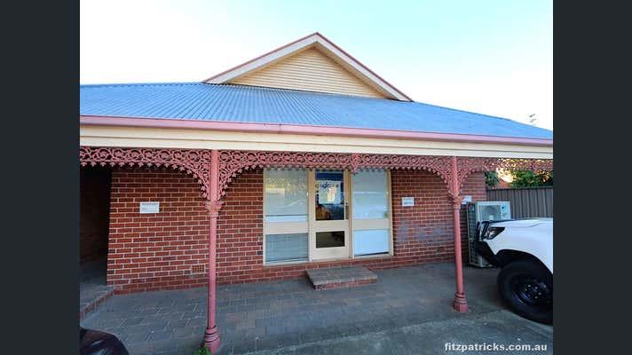 2/20 The Esplanade Wagga Wagga NSW 2650 - Image 2
