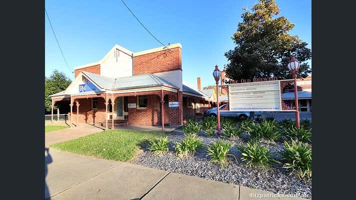 2/20 The Esplanade Wagga Wagga NSW 2650 - Image 1