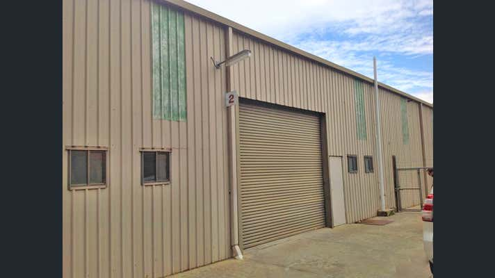 2/905 Metry Street North Albury NSW 2640 - Image 2