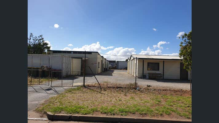 11 Bradpole Road Edinburgh North SA 5113 - Image 1