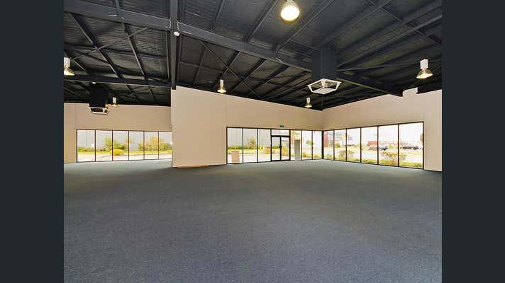 70 Reserve Drive Mandurah WA 6210 - Image 2