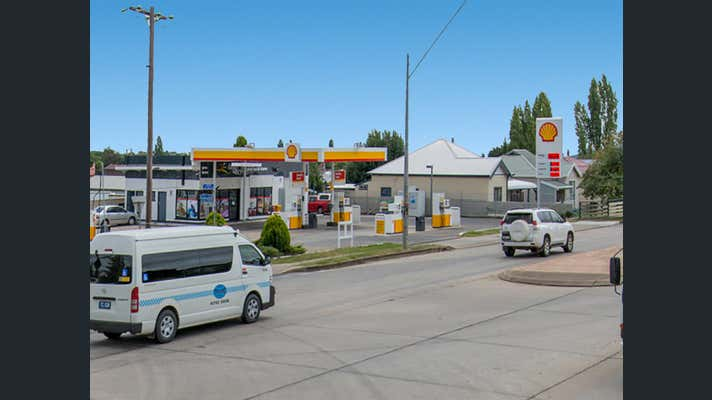 102 Church Street Glen Innes NSW 2370 - Image 2